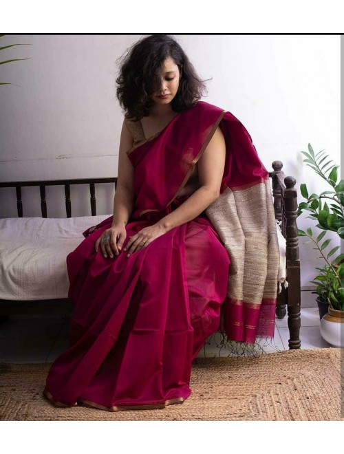Beautiful Handmade Magenta Colour Maheshwar Saree For Women
