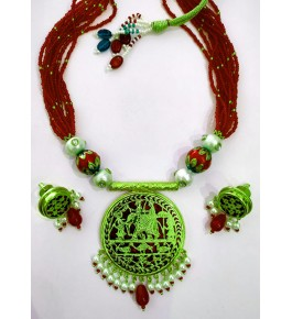 Thewa Art Gold Work Neckless Set Red & Green Pearl