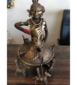 Bastar Dhokra Traditional Handicraft Art Of Jhula Wali Lady Sculpture For Home Decor