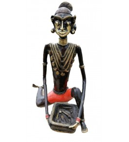 Bastar Dhokra Traditional Handicraft Art of  Tribal Working Lady Siting Sculpture For Home Decor