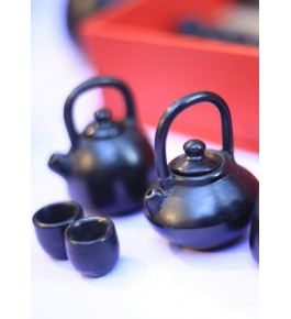 Handmade Beautiful Authentic Black Pottery Kettle for Home/Office Decor